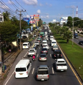 Busy Thepkasattri Road