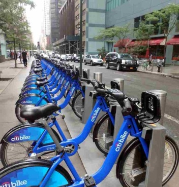 These rental bikes are very popular and used by many. No need for helmets here.