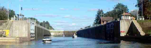 Ten locks down the Illinois River