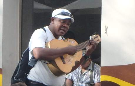 santiago de cuba guitarist