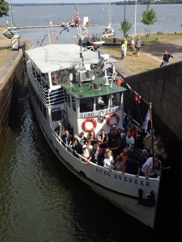 Passenger boats typically take up the whole lock
