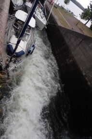 Strong turbulence at Berg locks