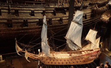 Vasa model with massive original at the back